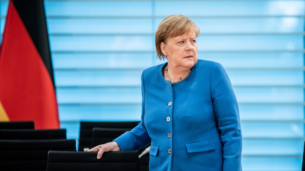 Angela Merkel goes into residence QUARANTINE after contacting virus-infected physician