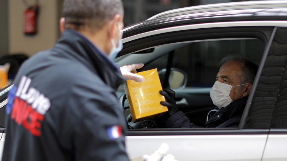 France's coronavirus loss of life toll nears 2,000 as 300 extra die in Covid-19 pandemic