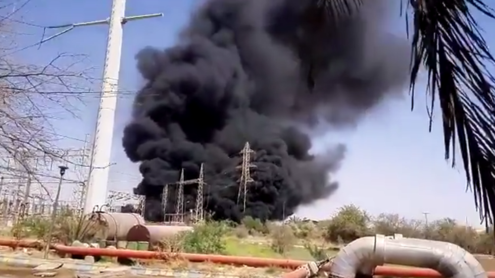 Transformer explosion triggers fire at power plant in Iran (VIDEOS)